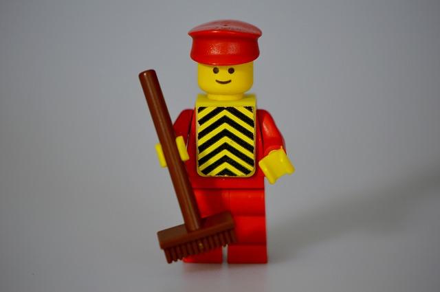lego-674615_640