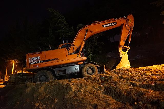 excavators-774786_640